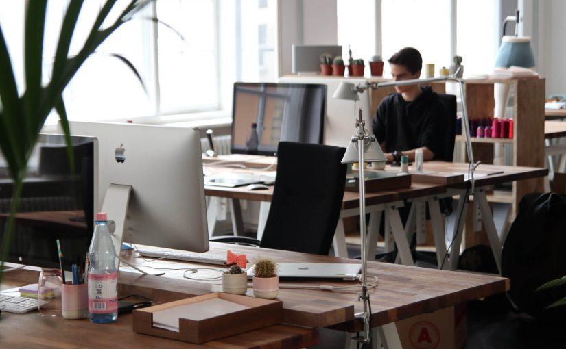 Jak urządzić biuro na wynajem, by zwiększyć motywację pracowników?